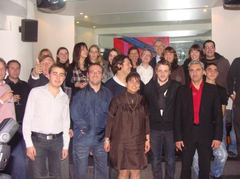 Au premier plan, Eline ENRIQUEZ-BOUZANQUET, aux côtés de Damien ABAD, Président National des Jeunes Centristes
